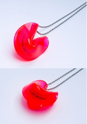 "Heartware Necklace ""Fortune Cookie"" neon-pink"
