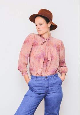 HIPSISTERS Silk bow blouse